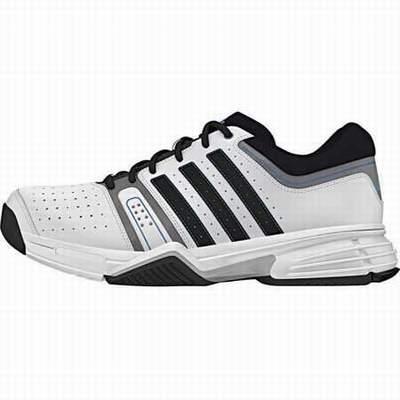 Chaussures de tennis de table asics chaussures de tennis for Terrain de tennis taille